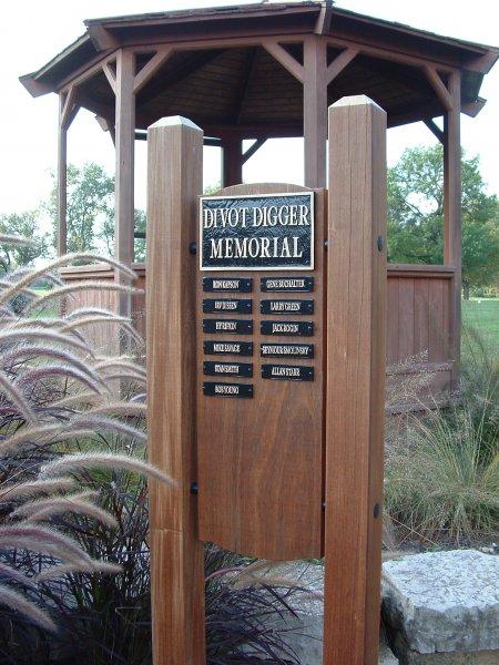 memorial-bronze-and-wood
