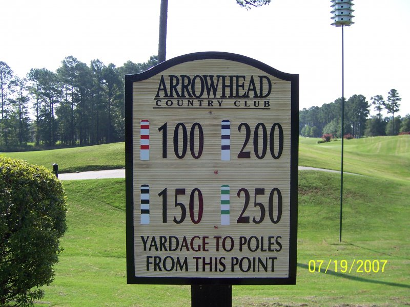 redwood-yardage-sign