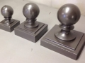 sign-components-square-ball-finial